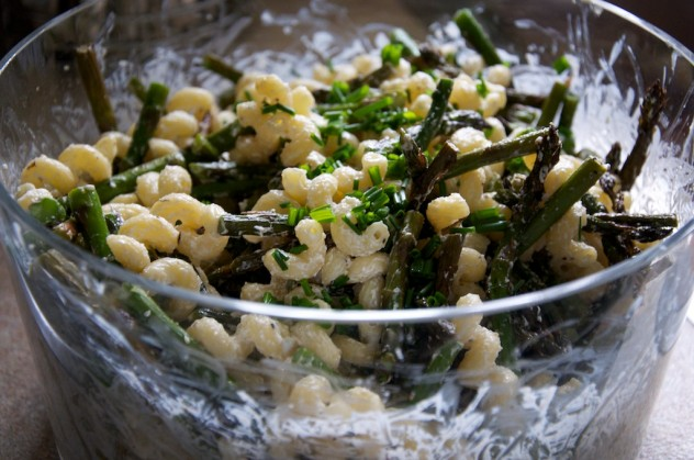 Creamy Goat Cheese Pasta with Grilled Asparagus Recipe // Dula Notes