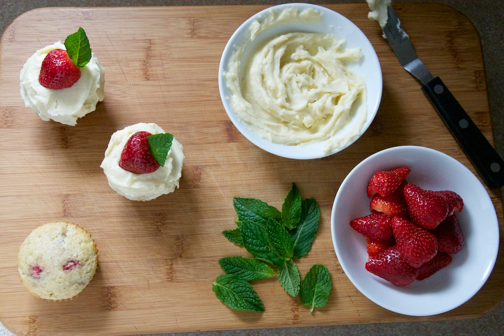 Strawberry Cupcakes with Mascarpone Frosting Recipe // Dula Notes