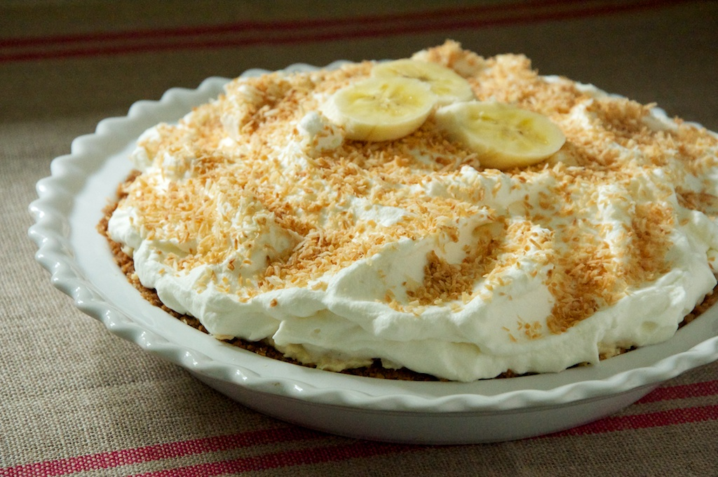 Banana Coconut Cream Pie Recipe // Dula Notes