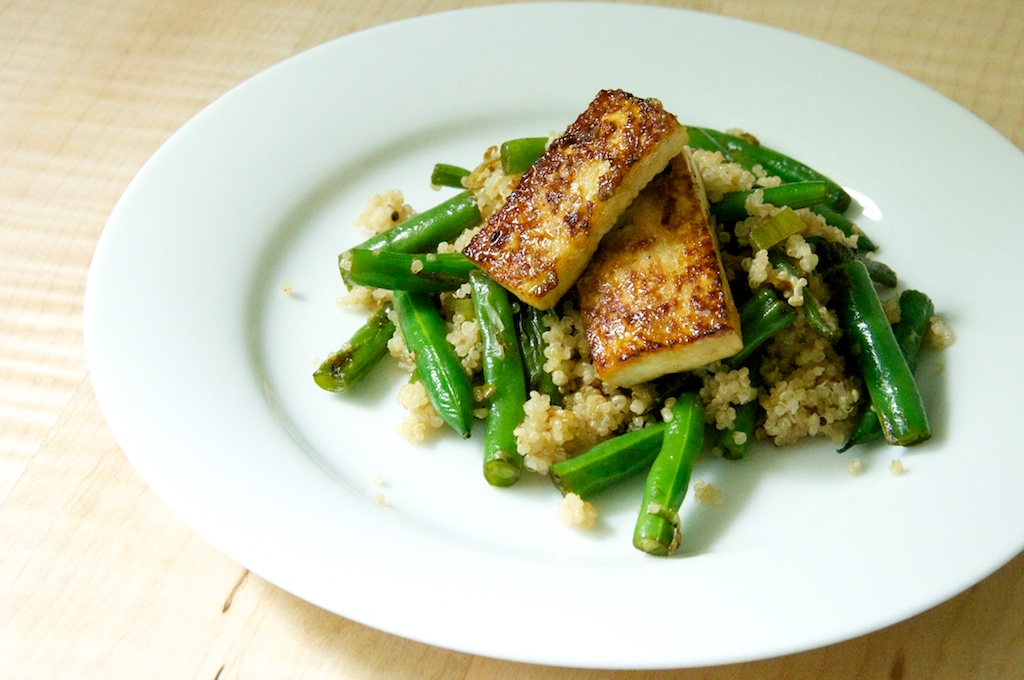 ... Green Beans with Coconut Quinoa and Caramelized Tofu // Dula Notes