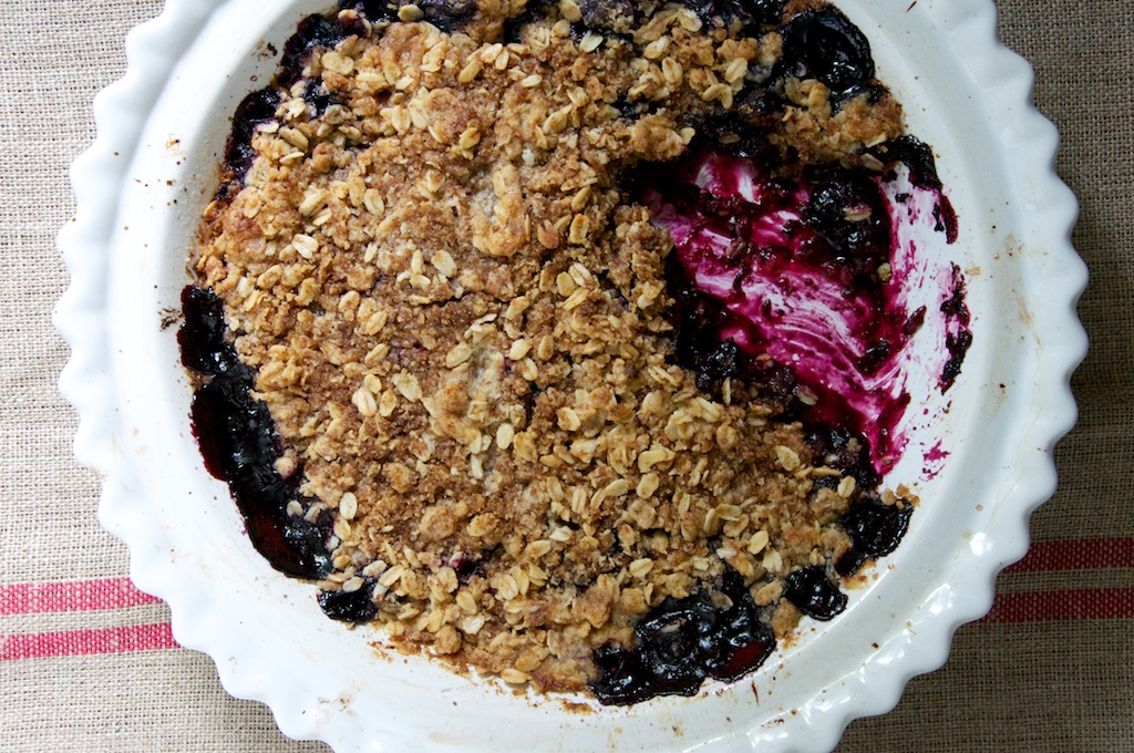 Fresh Blueberry Crumble Recipe // Dula Notes