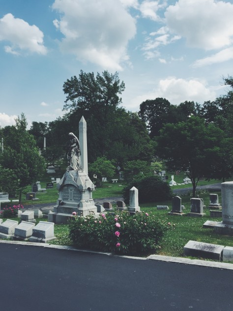 Louisville, Kentucky City Guide - Cave Hill Cemetery // @nicoledula
