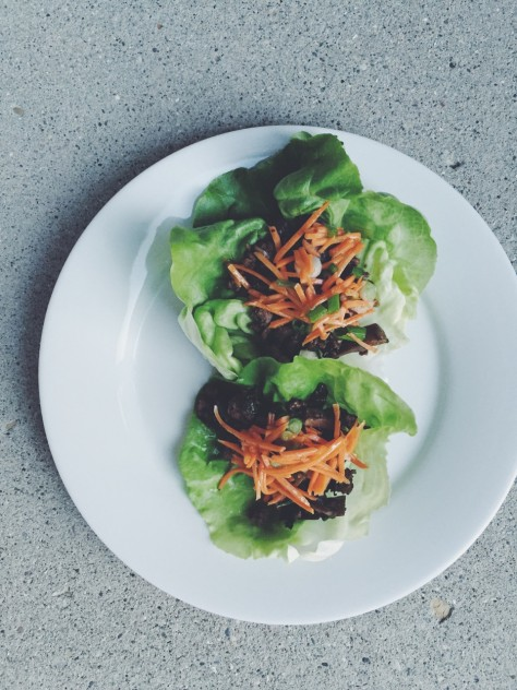 Thai Lettuce Beef Cups // @nicoledula #whole30
