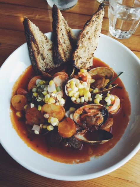 Gold Cash Gold in Detroit, Michigan - Low Country Cioppino // @nicoledula #Detroit