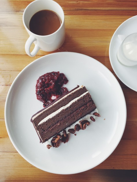 Gold Cash Gold in Detroit, Michigan - Chocolate Cake // @nicoledula #Detroit
