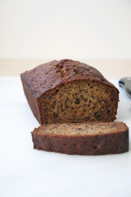 Olive Oil Banana Nut Bread Recipe // @nicoledula